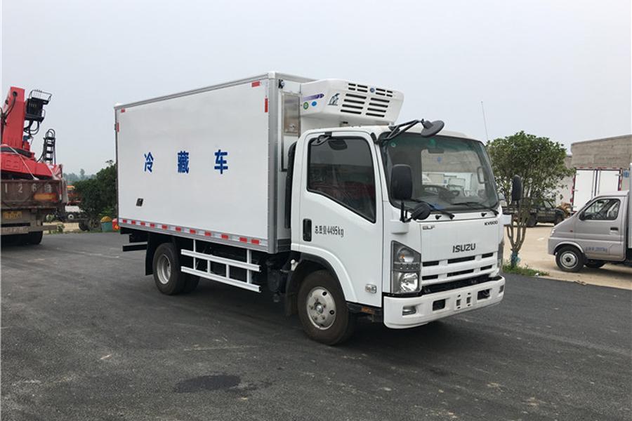 庆铃五十铃KV600冷藏车4.2米