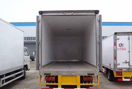 庆铃五十铃100P 4.1米 冷藏车