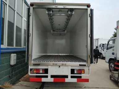 运送鱼肉鲜果保温车冷藏车多少钱