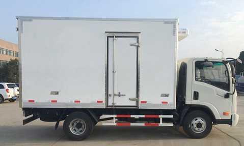 成都大运奥普力4.1米国五冷藏车