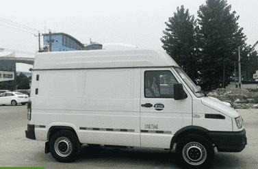 药品疫苗运输—首选依维柯2.1米面包冷藏车