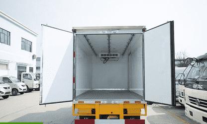 """江铃顺达4.2米冷藏车轻卡领域""""实用至上,简约不"""
