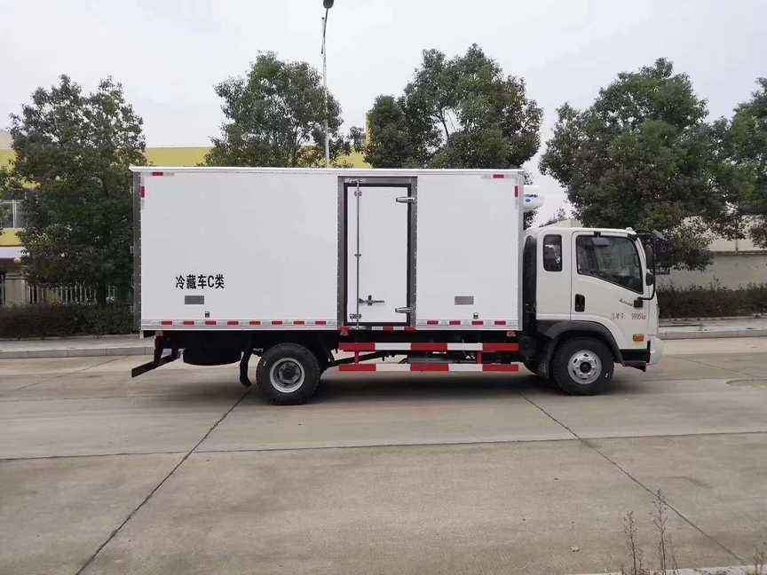 大运3.7米厢体冷藏车冻肉冷藏运输车价格