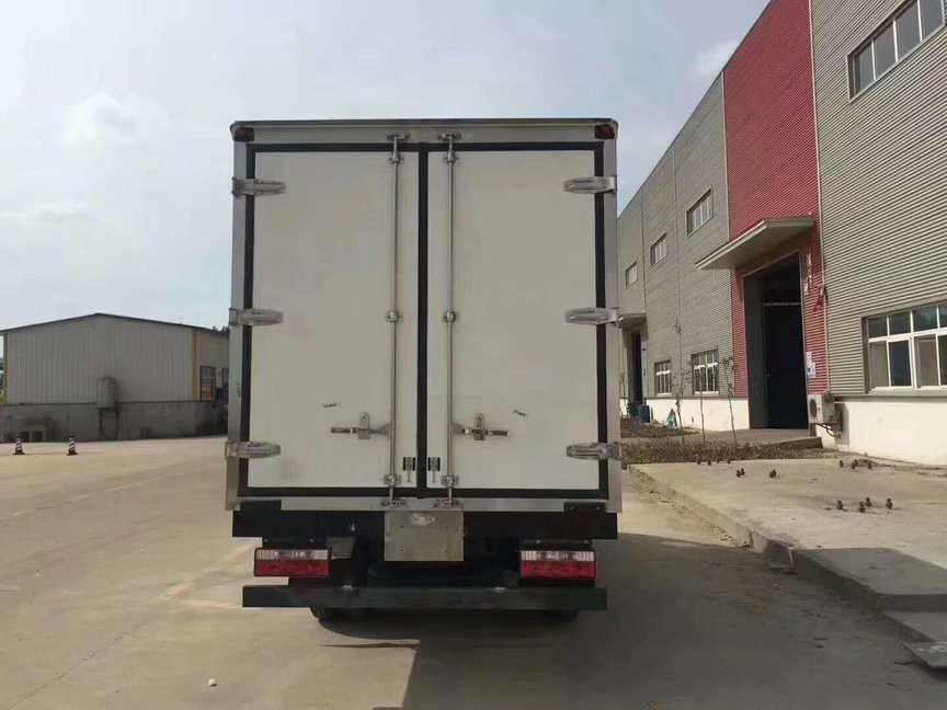 江淮3.7米厢体蔬菜水果冷藏运输车厂家最新价格