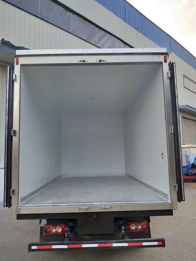 福田欧马可冷藏车4米厢长海鲜冷藏运输车最低价