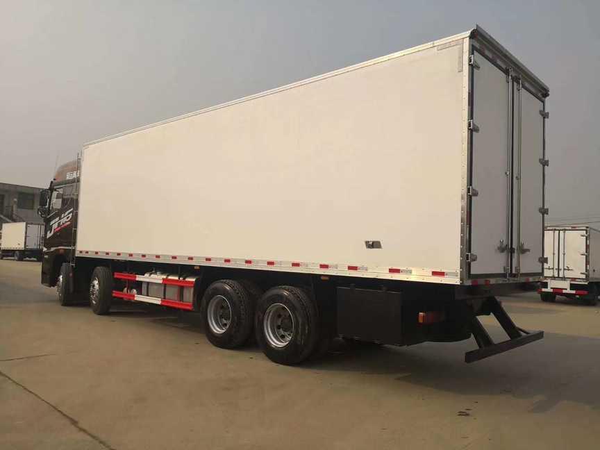 大型解放肉钩冷藏车9.4米厢体冷藏车价格