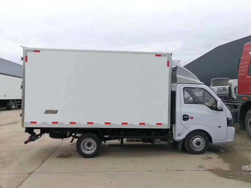 东风3.5米厢体冷藏车水果保鲜冷藏运输车图片价
