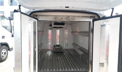 东风小康小型面包冷藏车价格配置性能报价