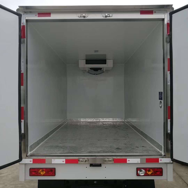 肉钩对接式冷藏车屠宰场专用冷藏车价格