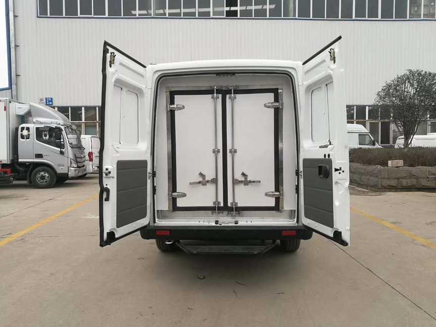东风面包式冷藏车疫苗冷藏运输车价格