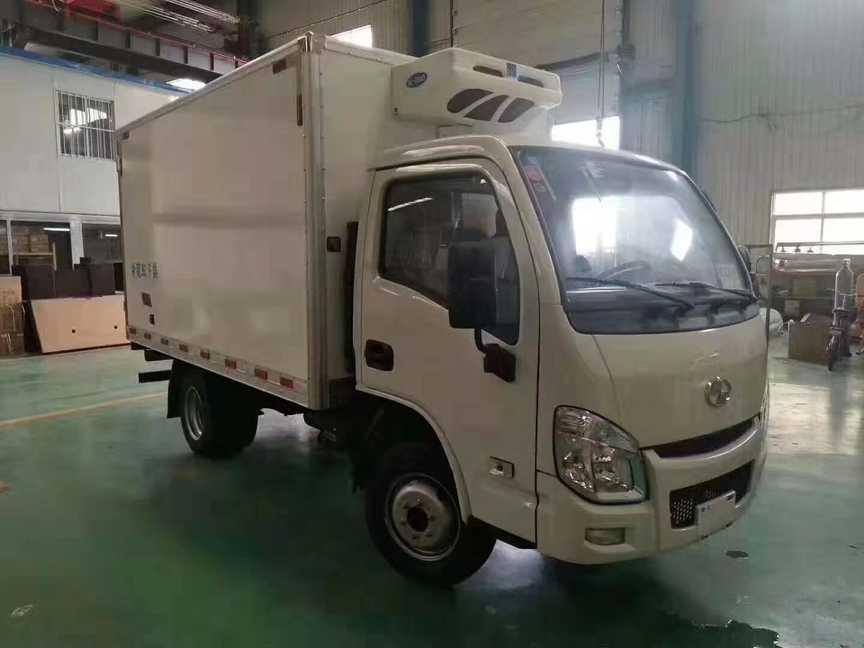 国六跃进小福星肉钩冷藏车 3.2米国六汽油冷藏车
