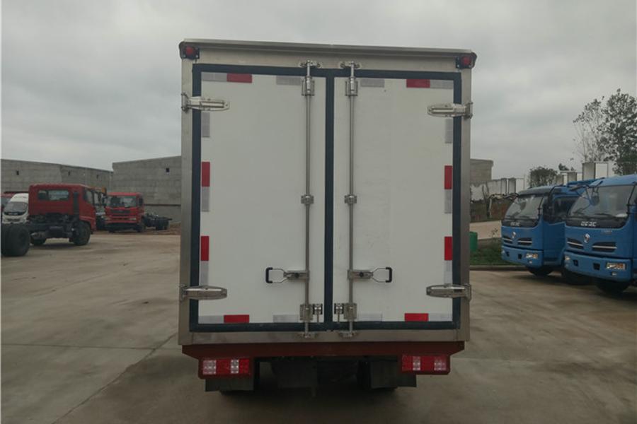 重汽王牌冷藏车3.5米(油气)