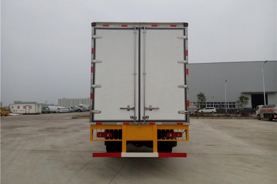 东风天锦冷藏车7.8米