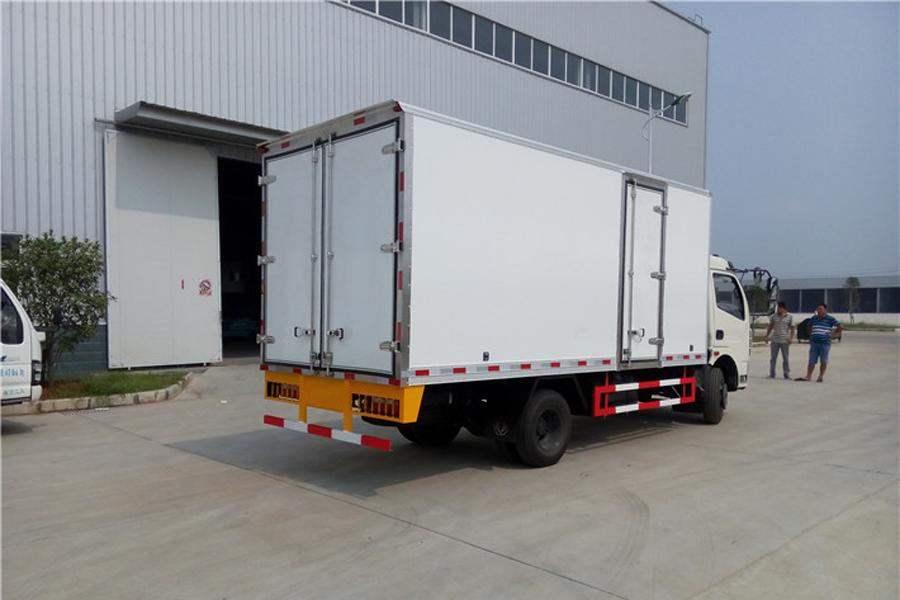 东风大多利卡冷藏车5.2米