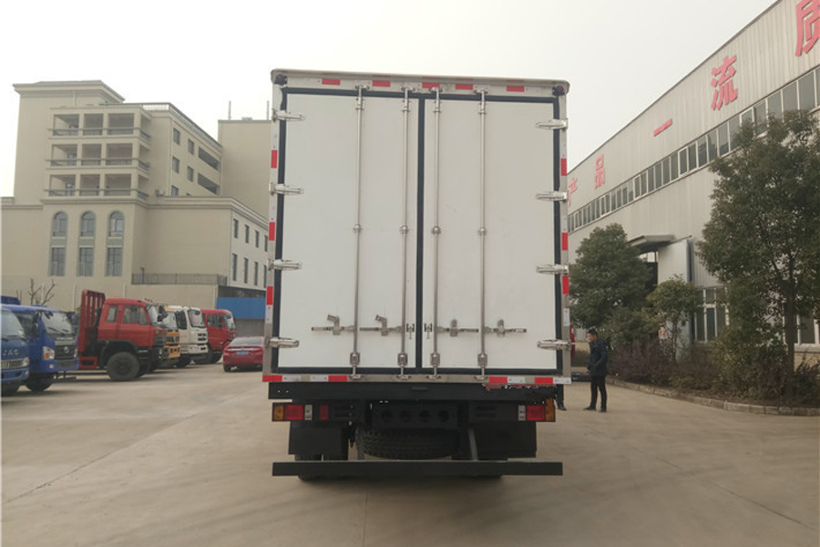 福田瑞沃冷藏车6.8米