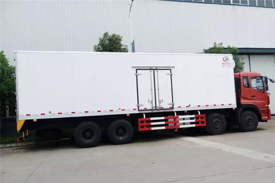 东风天龙前四后八冷藏车9.6米