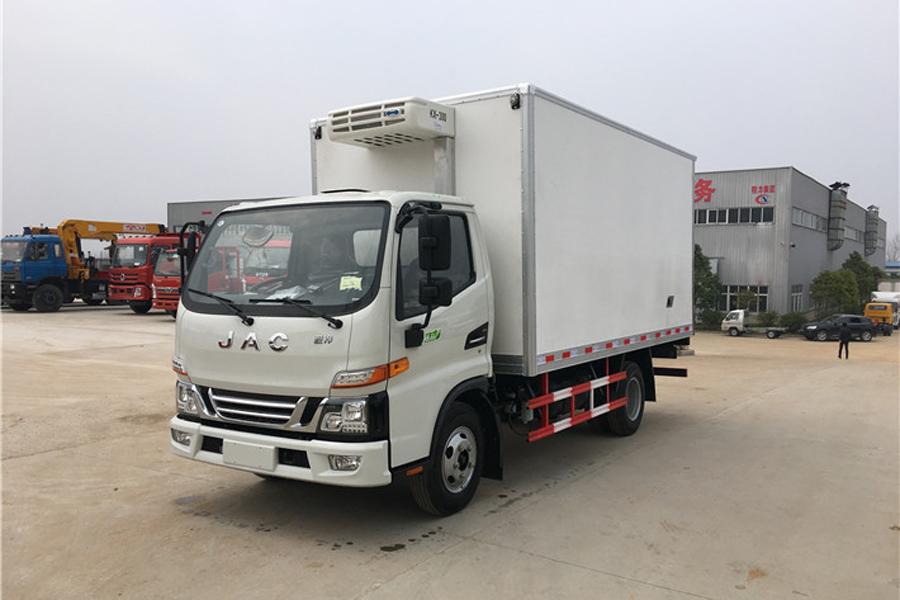 江淮骏铃V5冷藏车4.2米