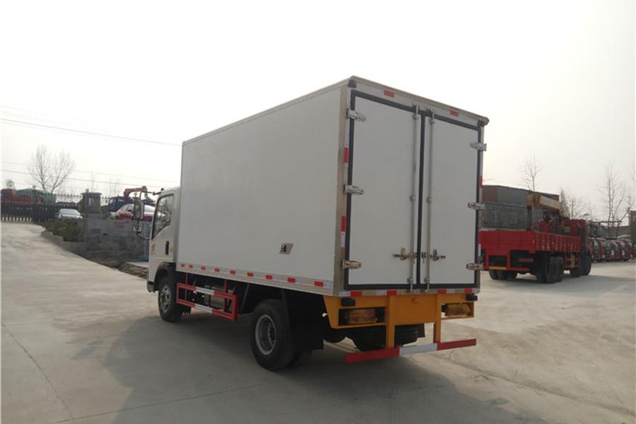 重汽豪沃冷藏车4.2米