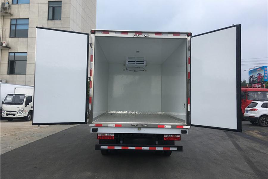 江淮帅铃排半冷藏车3.7米