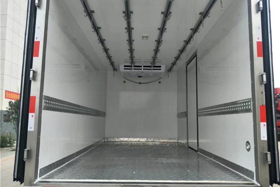 东风多利卡冷藏车4.2米